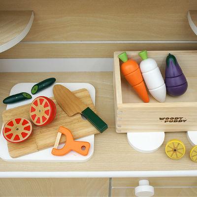 おままごとキッチンと小物を組み合わせて楽しさ2倍!