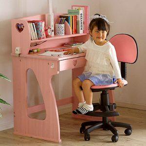 プレゼントにピッタリな学習机をご紹介