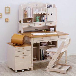 収納力抜群!ハイタイプの学習机をご紹介!