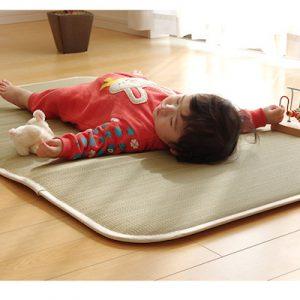 お母さんも楽々!赤ちゃんの快眠をサポートするおすすめ寝具4選