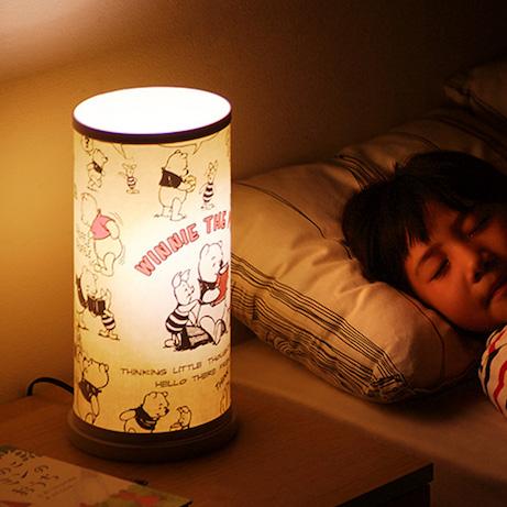 寝る 電気 つけ て