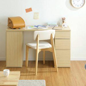 シンプルな机はどんなお部屋にも合う!5つのおすすめ商品をご紹介